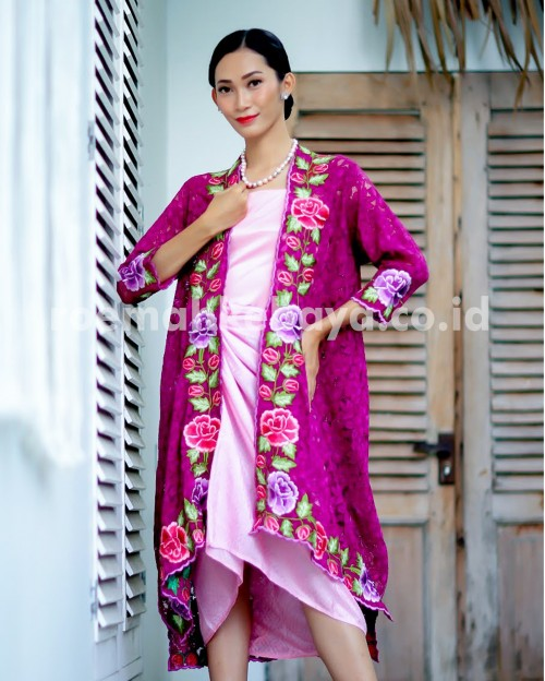 Kebaya Batwing Batik Series – Pink