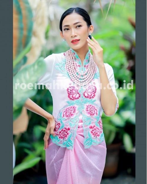 Kebaya Peony Lace Series – Merah (Limited Edition)
